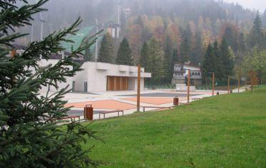 Zagospodarowanie terenu wokół amfiteatru wraz z parkingiem oraz budowa widowni amfiteatru w Szczyrku